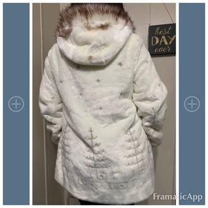 NWT Nauge fur coat size L